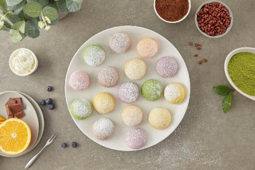 Bánh Mochi Sweets có những hương vị từ truyền thống như anh đào, đậu đỏ đến đột phá, mới lạ như phômai, sầu riêng, caramel...