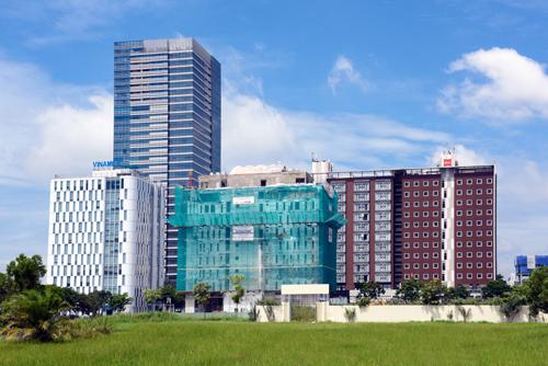 Nhiều công trình chuẩn bị hoàn công tại khu Thương mại Tài chính Quốc tế - Phú Mỹ Hưng.