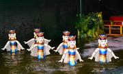 Xem múa rối nước giữa trung tâm Sài Gòn