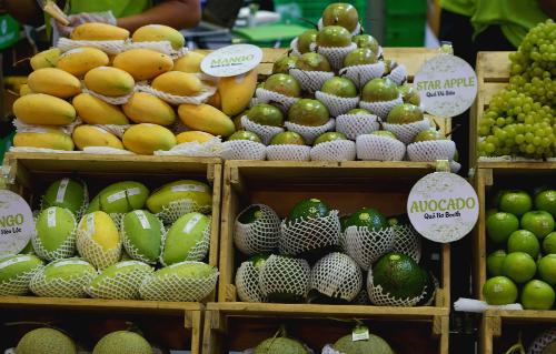 Trái cây chất lượng cao trưng bày ở một triển lãm về nông sản thực phẩm quốc tế. Ảnh: Viễn Thông