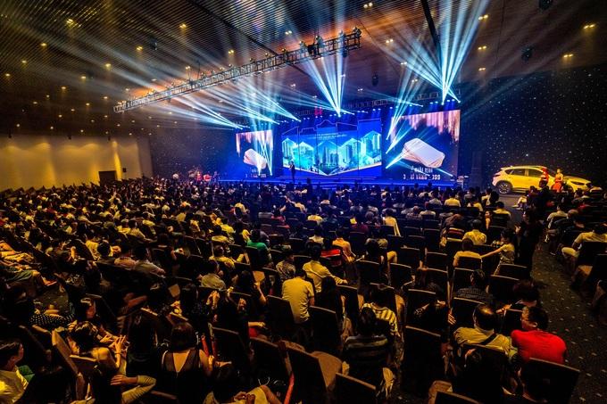 2.000 cư dân dự đêm nhạc tri ân của Hưng Lộc Phát