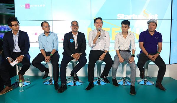 Sự kiện Toàn cảnh bức tranh huy động vốn nằm trong chuỗi hoạt động của chương trình bình chọn Startup Việt 2018 do Báo VnExpress tổ chức. Diễn giả của sự kiện là những người có nhiều kinh nghiệm trong lĩnh vực đầu tư hoặc gọi vốn cho doanh nghiệp khởi nghiệp. Trong đó, có các doanh nhân thành công như ông Phạm Văn Tam - Chủ tịch HĐQT Tập đoàn công nghệ Asanzo, bà Phạm Lan Khanh - Tổng giám đốc FreelancerViet, ông Nguyễn Duy Vĩ - Sáng lập kiêm Giám đốc tiếp thị Tugo, ông Giáp Văn Đại - CEO Nami. Bên cạnh đó, là những gương mặt quen thuộc trong cộng đồng tư vấn khởi nghiệp như ông Phạm Duy Hiếu - Tổng giám đốc Quỹ Khởi nghiệp Doanh nghiệp Khoa học Công nghệ Việt Nam (Startup Vietnam Foundation), ông Nguyễn Việt Đức - Tổng giám đốc Innovation Capital Management, ông Phan Đình Tuấn Anh - CEO Angels4us, ông Cris D. Trần - Giám đốc QRC.