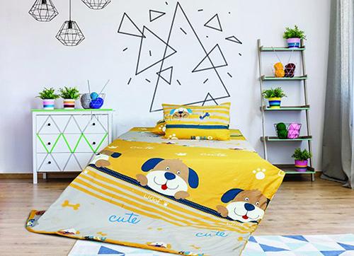 Nhiều màu sắc và họa tiết ngộ nghĩnh trong bộ chăn ga gối đệm cho các bé.