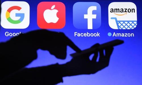 Google, Facebook có thể chịu ảnh hưởng từ quy định bản quyền kỹ thuật số của châu Âu. Ảnh: AFP
