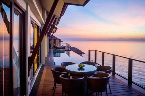 Biệt thự biển Banyan Tree Residences trong khu phức hợp cao cấp Laguna Lăng Cô đang trở thành lựa chọn nghỉ dưỡng hàng đầu của giới thượng lưu.