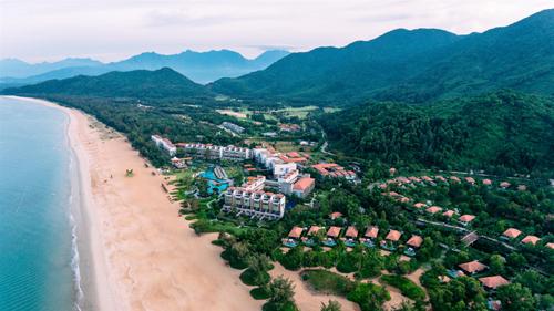 Bất động sản Lăng Cô phát triển nhờ sự có mặt của dự án casino do tập đoàn Banyan Tree quản lý.