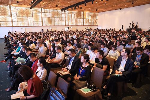 Ông Paul Chan - Cục trưởng Tài chính Hong Kong phát biểu tại hội thảo In Style Hong Kong. Ảnh: Hữu Khoa.