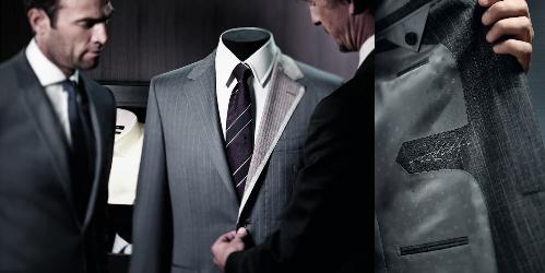 Bộ comple này là độc nhất, dựng lên trên số đo cơ thể bạn và hoàn thiện với chữ ký của cá nhân bạn được thêu ở mặt trong của áo.