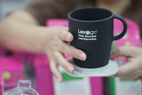 Sản phẩm của Lexngo có thể xếp gọn khi không sử dụng, chịu được nhiệt độ đến vài trăm độ C.