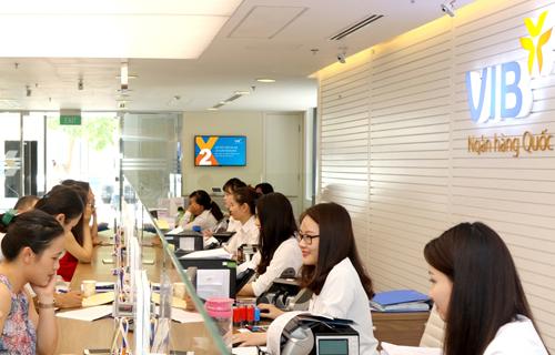 VIB có 162 chi nhánh, phòng giao dịch trên toàn quốc và có giao dịch với hơn 8.000 ngân hàng đại lý tại 61 quốc gia.