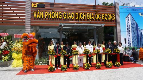 Lễ khai trương căn hộ mẫu Bcons - Suối Tiên.