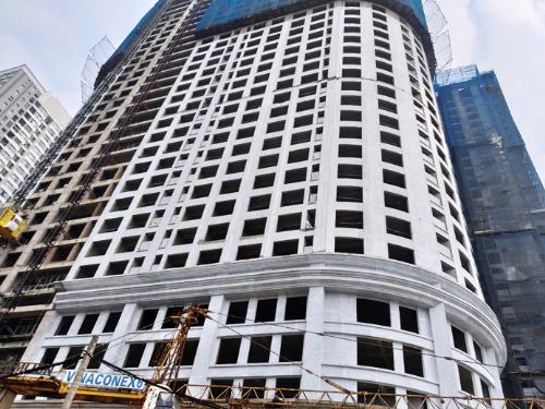 Sunshine Garden đã cất nóc 3 tòa nhà từ hồi tháng 8/2018 và đang gấp rút hoàn thiện để bàn giao nhà sớm nhất cho khách hàng.