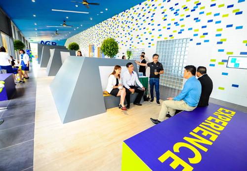 Bên trong Learning Hub có thiết kế đa chức năng, đáp ứng nhiều nhu cầu học tập khác nhau.