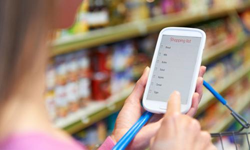 Mua sắm trên điện thoại qua app của các nhà cung cấp ngày một phổ biến.