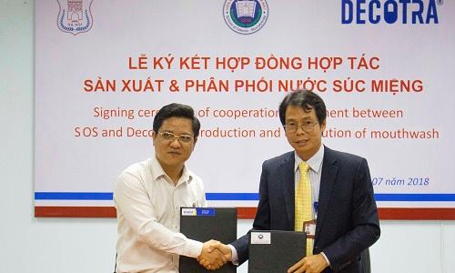 Công ty Cổ phần Decotra hợp tác với Đại học Y Hà Nội sản xuất nước súc miệng.