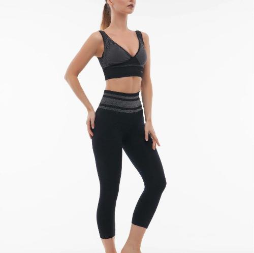 Quần áo định hình và đồ tập yoga của Sankom được đánh giá tốt cho sức khoẻ.