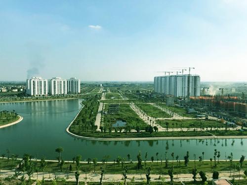 Các tòa nhà mở bán đợt này có vị trí đẹp nhất khu đô thị Thanh Hà B. Phía sau các tòa nhà có vườn hoa công viên, đối diện khu hồ sinh thái rộng gần 30 ha và nằm ngày trên trục đường rộng 60m nối Hà Đông với các huyện Thanh Oai, Thường Tín.