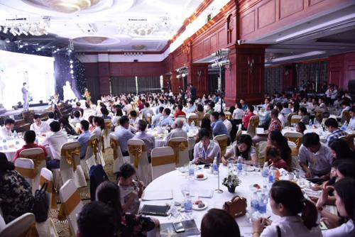 Đông đảo khách hàng đến tham gia sự kiện mở bán Dự án Hateco Laroma