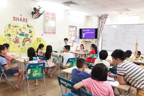Để trẻ tự quyết trường học tiếng Anh tại sao không? (xin bài edit)