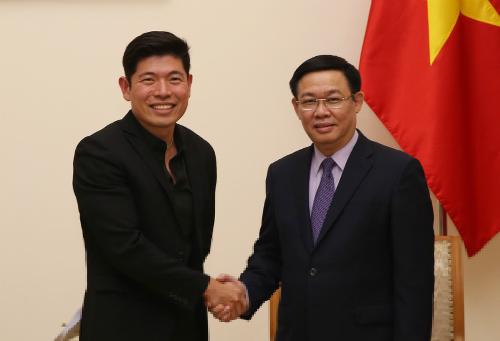 CEO, kiêm đồng sáng lập Grab - Anthony Tan gặp Phó thủ tướng Vương Đình Huệ. Ảnh: VGP