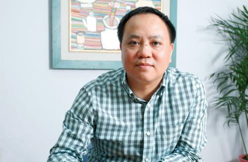 Ông Phan MInh Thông tuyên bố bán cà phê không giống ai.