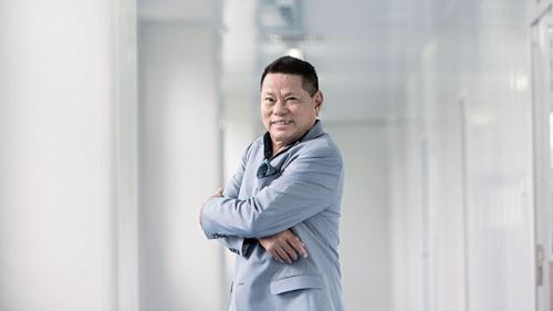 Hoàng Kiều hiện là Phó chủ tịch Shanghai RAAS Blood Products. Ảnh: Forbes