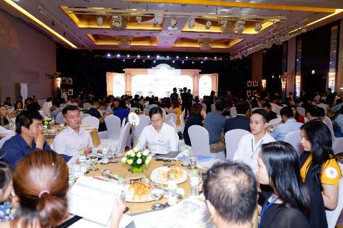 Lễ ra mắt và mở bán dự án King Palace thu hút nhiều nhà đầu tư.