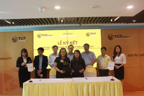Đại diện T&T và Smartland ký họp tác phân phối dự án T&T Millennia City.
