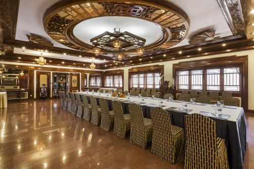 8 sảnh tiệc và phòng hội nghị đầy đủ trang thiết bị, là nơi phù hợp để tổ chức các bữa tiệc.