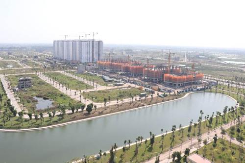 Ngoài tuyến đường trục,Tập đoàn Mường Thanh triển khai xây dựng khu đô thị Mường Thanh Thanh Hà. Được ví như một thành phố xanh thu nhỏ, mọi công trình của khu đô thị này đều được bao trọn trong cây xanh và hồ nước, đại diện chủ đầu tư nói.