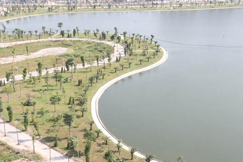 Hệ thống hồ điều hòa rộng hơn 30 ha được ví như lá phổi xanh cho khu đô thịThanh Hà.