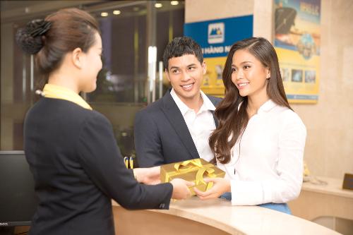 Nam A Bank áp dụng chuẩn nhận diện Ngân hàng đẹp - Dịch vụ tốt cho các dịch vụ, sản phẩm cung cấp đến khách hàng.