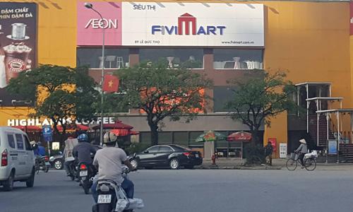 Siêu thị Fivimart trên đường Lê Đức Thọ, quận Nam Từ Liêm, Hà Nội.