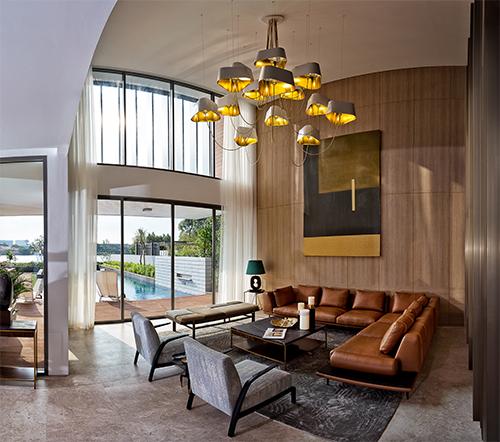 Không gian nội thất thoáng, sang trọng và kết nối tốt với không gian ngoại thất.