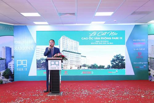 Cất nóc tòa cao ốc văn phòng Park IX gần sân bay Tân Sơn Nhất