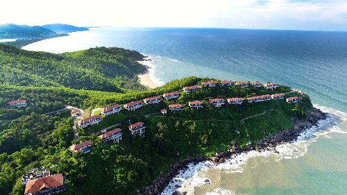Khu biệt thự nghỉ dưỡng Banyan Tree Residences Lăng Cô với thế tọa sơn nghinh thủy độc đáo