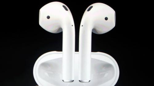 Tai nghe AirPods của Apple sản xuất tại Trung Quốc. Ảnh: Apple
