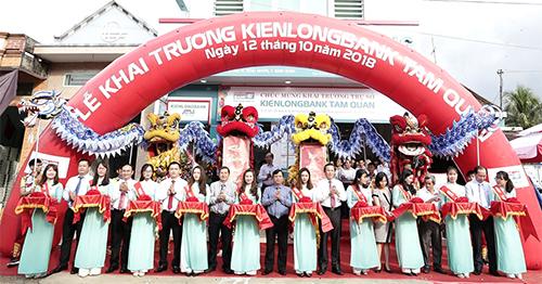Lễ khai trương phòng giao dịch mới Kienlongbank Tam Quan (tỉnh Bình Định).