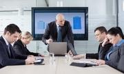 Cách đối phó với sếp cuồng công việc