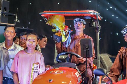 Anh Võ Văn Cần (Sóc Trăng) đạt giải nhì hội thi Nông dân Bayer triệu phú 2018