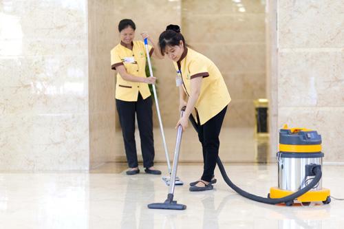 Đội ngũ TNS Clean chuyên cung cấp các dịch vụ vệ chuyên nghiệp, sử dụng những phương pháp vệ sinh và trang thiết bị hiên đại, ít độc hại