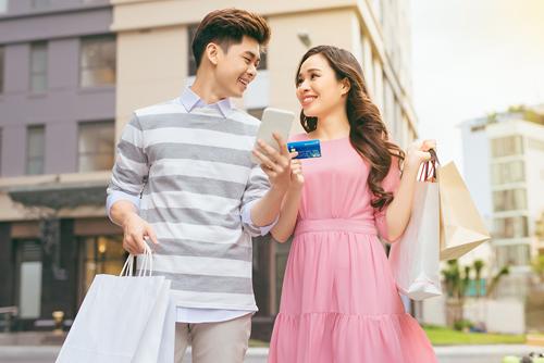 Để biết thêm thông tin chi tiết, Quý khách có thể đến liên hệ bất kỳ Chi nhánh, Phòng giao dịch gần nhất của Ngân hàng Bản Việt; Hotline 1900555596; hoặc truy cập website https://card.vietcapitalbank.com.vn/