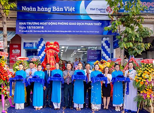 Lễ khai trương phòng giao dịch Phan Thiết của Ngân hàng Bản Việt.