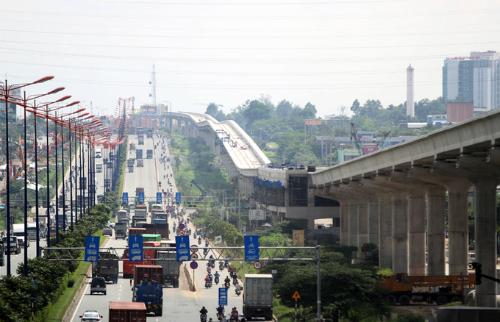 Tuyến metro số 1 của TP HCM liên tục trong tình trạng đói vốn. Ảnh: Duy Trần