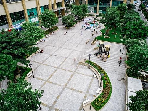 Hệ thống cây xanh được thiết kế và bố trí hợp lý đem lại cuộc sống an lành cho cộng đồng cư dân