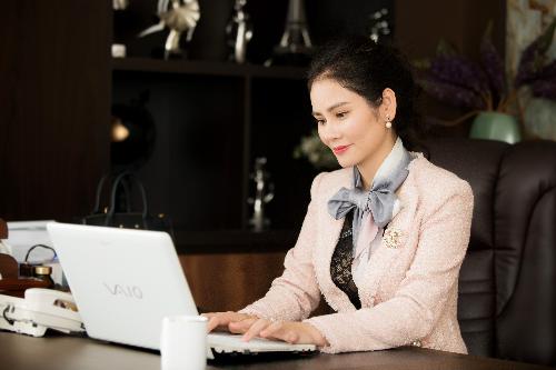 Doanh nhân Hà Bùi dành cả tuổi thanh xuân để xây dựng thương hiệu thời trang riêng Sohee.