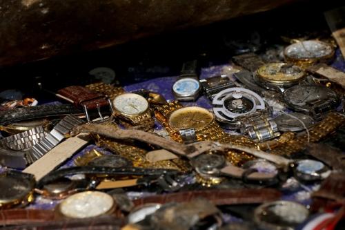 Tiêu hủy đồng hồ fake - sự kiện nổi bật của chương trình Thẩm định đồng hồ