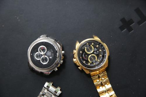 Đồng hồ thật, giả lẫn lộn trên thị trường hiện là một vấn đề nhức nhối.