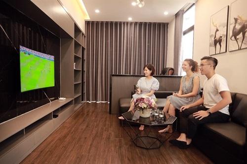 Thưởng thức trọn vẹn các giải thể thao đỉnh cao cùng thiết bị K+ TV Box nhỏ gọn.