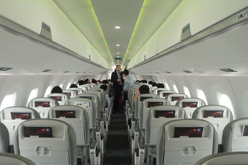 Với số lượng ghế hạn chế máy bay phản lực loại nhỏ phù hợp đường bay địa phương.